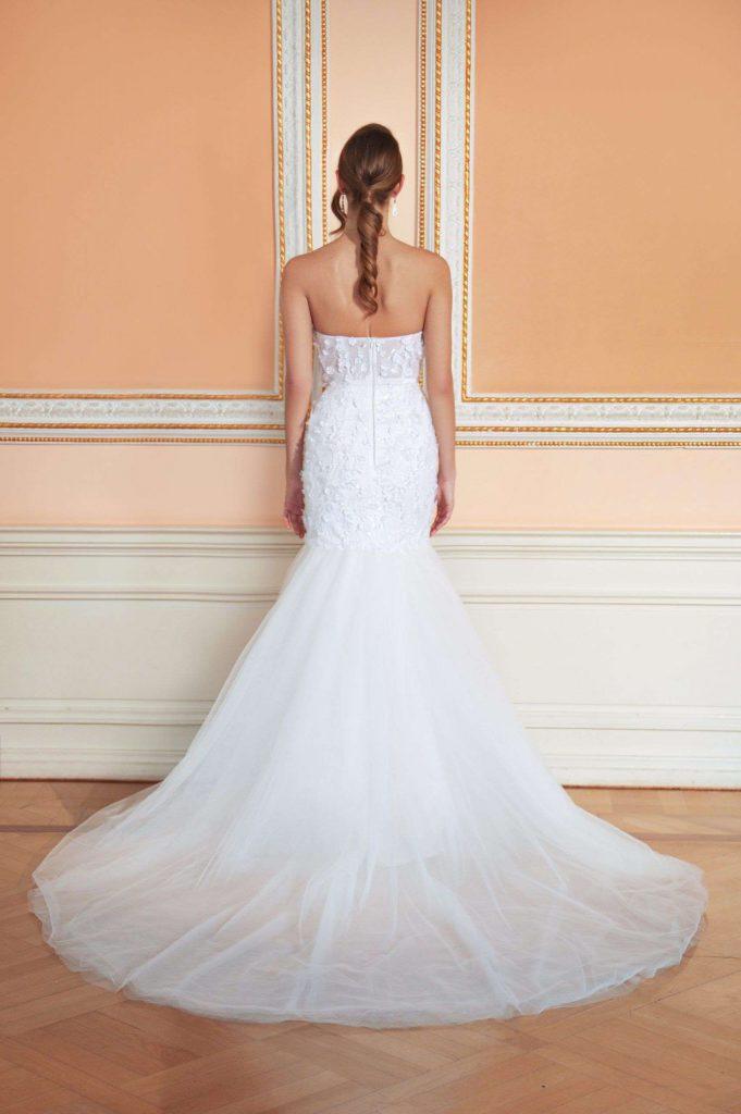 czysta suknia ślubna